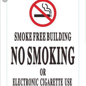 SMOKE 💨FREE 🚭 CLOSET 🧥👗👡👠👜👟👖